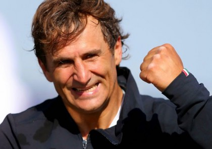 Alex Zanardi completa l'Iron Man delle Hawaii
