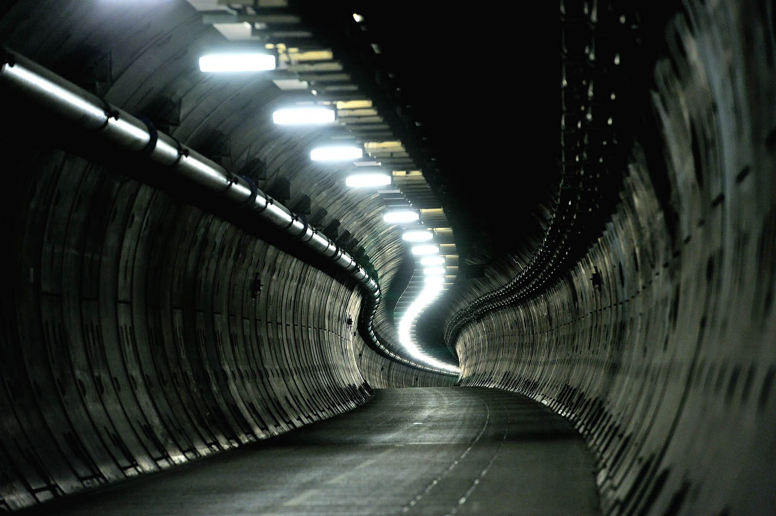 tunnel thesis kento In this thesis, the concept of absorbance-modulation optical lithography (amol) is described, and the feasibility experimentally verified amol is an implementation of nodal lithography, which is not bounded by the diffraction.
