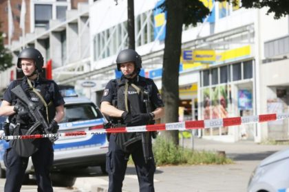 Attentato ad Amburgo: un morto e diversi feriti all'Edeka